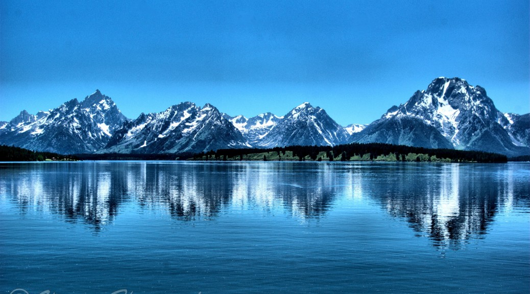 Grand Tetons reflecting on Jackson Lake, Grand Tetons National Park